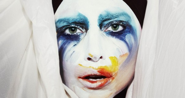 "Lady Gaga: Pogledajte spot za ""Applause"""