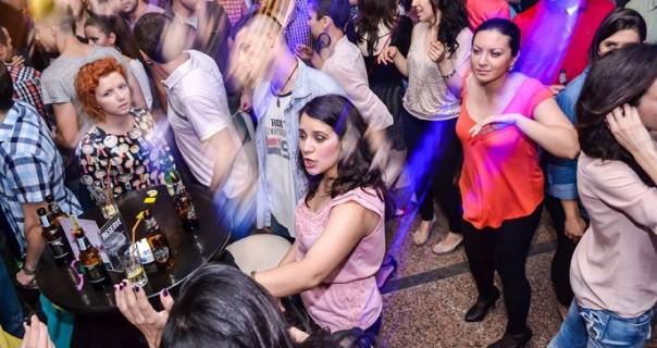 Večeras (11.9.) poslednja salsa sreda na letnjoj sceni BitefArtCafe-a