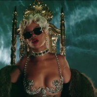 "Rihanna: Pogledajte spot za ""Pour It Up"""