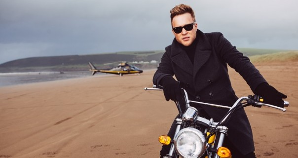 "Novi spot Olly Murs-a za ""Hand On Heart"""
