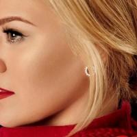 I Kelly Clarkson snimila božićnu pesmu