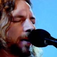 Eddie Vedder vodi show na radio stanici