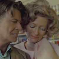 Evo ga - najnoviji Bowiev singl & spot