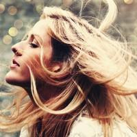 Poslušajte novi hit Ellie Goudling