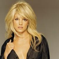 """Poslušajte """"Unbroken"""" Britney Spears"""