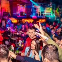BitefArtCafe ovog vikenda: Stand Up, Makao i St. Louis Band