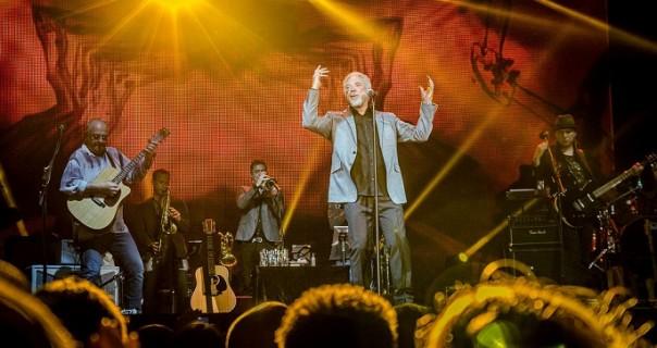 Tom Jones održao čas pevanja sinoć u Kombank Areni
