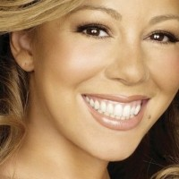 Mariah Carey opet pevala na playback...