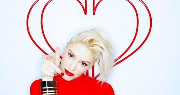 "Gwen Stefani i Voice sudije izveli ""Hella Good"""