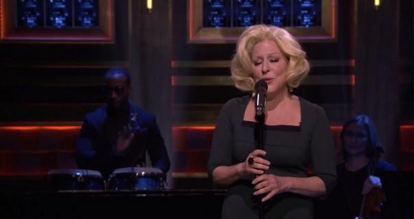"Bette Midler: poslušajte live verziju ""Waterfalls"""