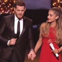 Michael Buble & Ariana Grande: pogledajte Christmas specijal