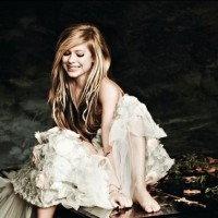 Sećate li se Avril Lavigne?!
