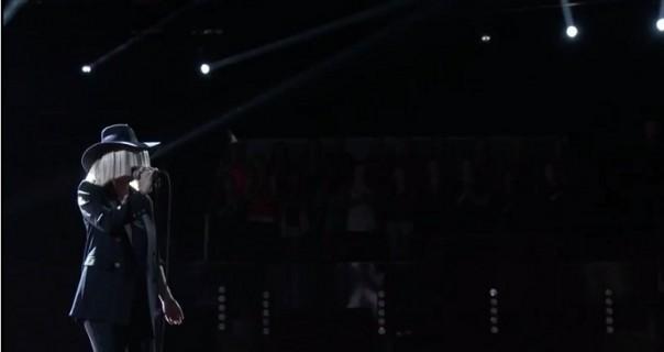 """Sia: pogledajte sjajan nastup u """"The Voice"""""""
