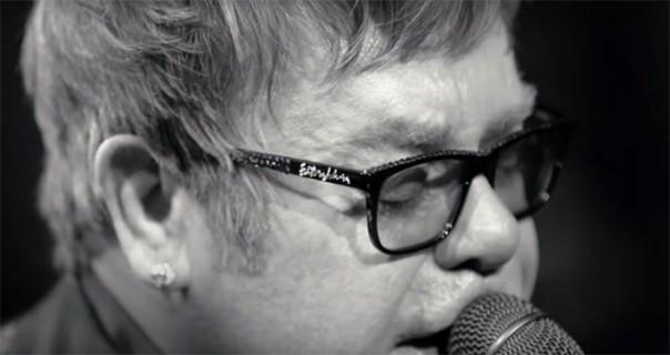 Elton John bi da porazgovara sa Vladimirom Putinom