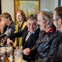 Parni Valjak pred dupli koncert predstavio novu pesmu