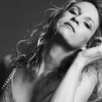 Gitaristkinja Ana Popović uskoro ponovo pred beogradskom publikom