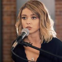 Pogledajte kako Haley Dunphy iz Modern Family peva Closer