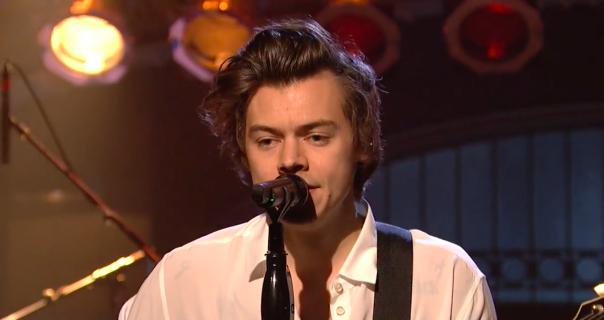 Harry Styles izveo Sign of Times i još jednu novu u SNL-u
