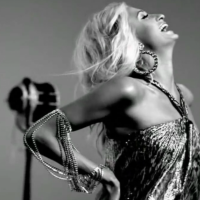 'Oćete nam oprostiti što se radujemo novom albumu Paris Hilton?