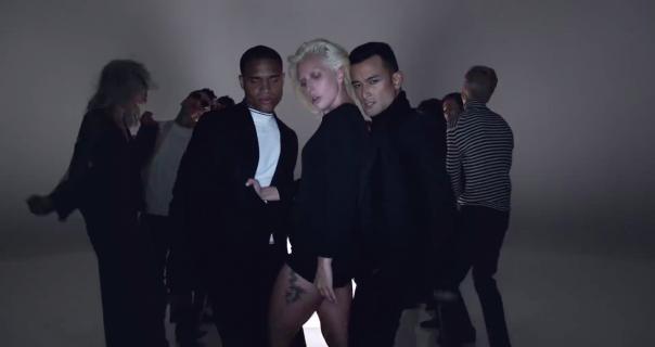 Stigao je novi Chic album na kojem su Lady Gaga, Hailee i Elton