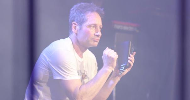 Glumac David Duchovny se muzikom oprašta od oca