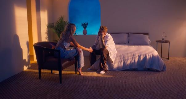 Oženjeni Justin Bieber prodaje jeftinu romantiku