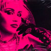 Miley Cyrus na tromeđi pop, country i rock muzike