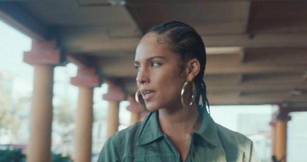 Alicia Keys pevala prateće vokale sinu