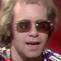 Elton John, Ed Sheeran i Brandi Carlile za Lisu Kudrow